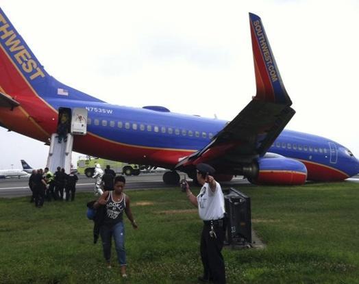 New York'ta uçak pistten çıktı