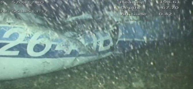Arjantinli futbolcu Emiliano Sala'yı taşıyan uçağın enkazında bir ceset bulundu