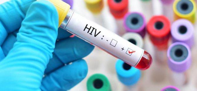 """""""Kıbrıs'ta HIV Salgın Analiz Raporu"""" Bakan Fikri Ataoğlu'na Sunuldu"""