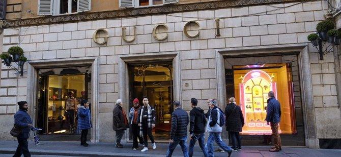 Gucci ırkçılık eleştirilerinin ardından o kazağı satıştan kaldırdıGucci ırkçılık eleştirilerinin ardından o kazağı satıştan kaldırdı