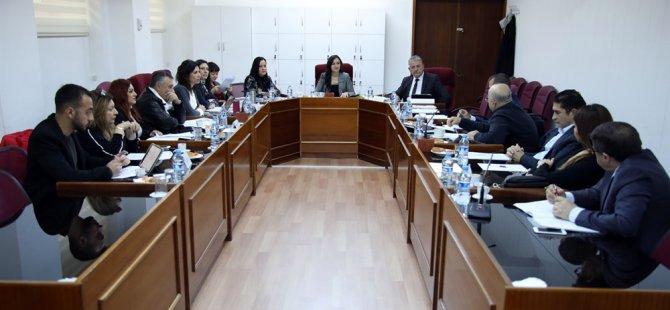 """""""Kıbrıs Türk Optik Gözlükçüler Birliği Yasa Tasarısı"""" görüşülüyor"""