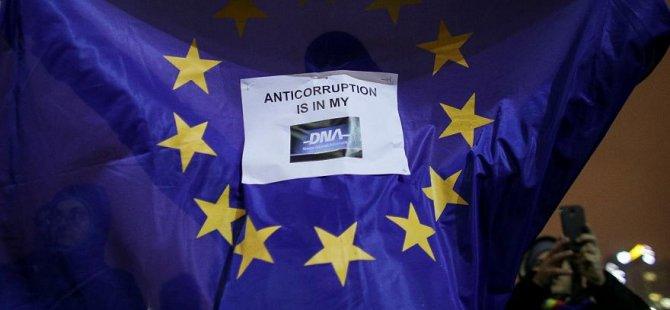 Güney Kıbrıs Greco'nun adaletle ilgili 16 yaptırımından sadece iki tanesine uyabildi