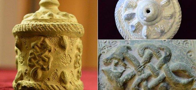 Harran'da 9 asırlık ilaç şişesi bulundu