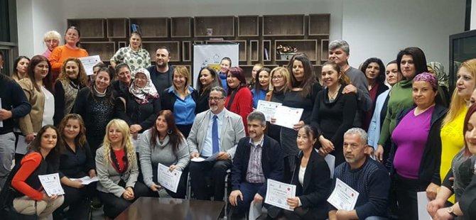 Hasta refakatçi eğitimini tamamlayanlar sertifikalarını aldı