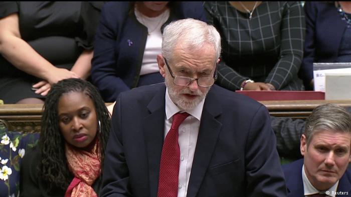 İngiliz İşçi Partisi'nde istifa depremi