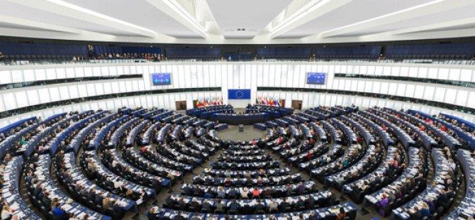 Rum siyasi partiler Türkiye'nin AP raporunu yorumladılar