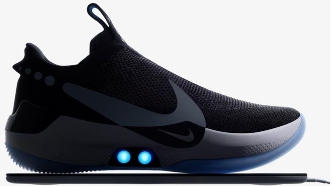Nike'ın bağcığını kendi bağlayan ayakkabısı ilk haftasında sorun çıkardı