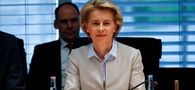 """Almanya Savunma Bakanı Ursula Von Der Leyen'den """"Mesaj"""""""