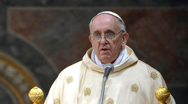 """Papa Franciscus'tan """"eşcinsel Rahip"""" açıklaması"""