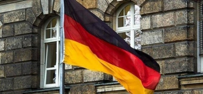 Almanya Güney Kıbrıs'a askeri uzmanlarını gönderiyor
