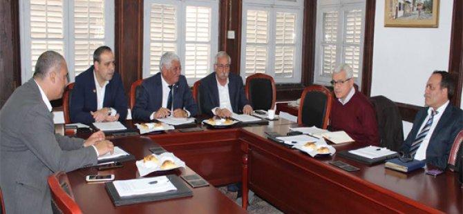 Belediyeler Birliği ile Veteriner Dairesi yetkilileri toplantı yaptı