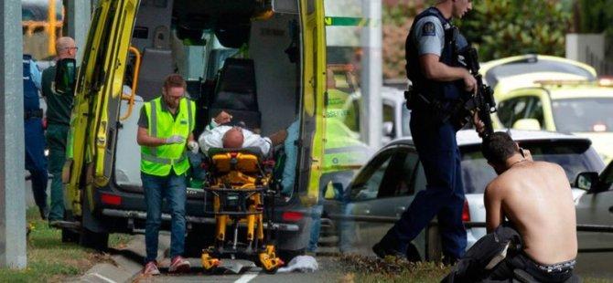 """""""Yeni Zelanda tarihinin en karanlık günlerinden biri"""" : İki camiye silahlı saldırı, onlarca ölü ve yaralı var"""