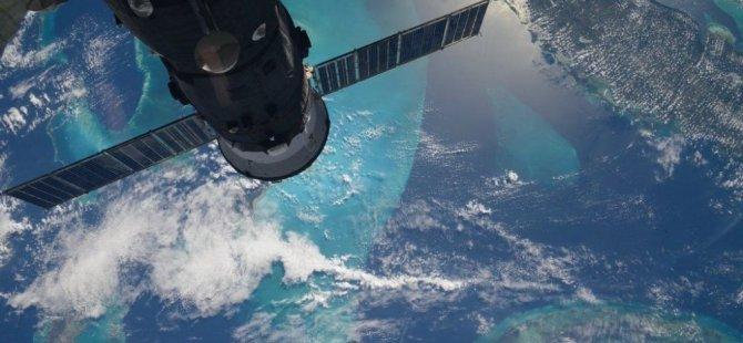 NASA'dan uyarı: Dev EA2 asteroidi uyarısı (Video)