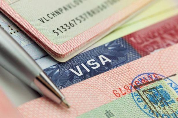 AB'den Türkiye'ye 'vize serbestisi' açıklaması