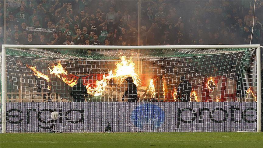 Panathinaikos-Olympiakos maçı olaylar nedeniyle tamamlanamadı