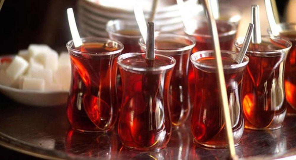 'Çayı kaynar içmek, kanser riskini arttırıyor'