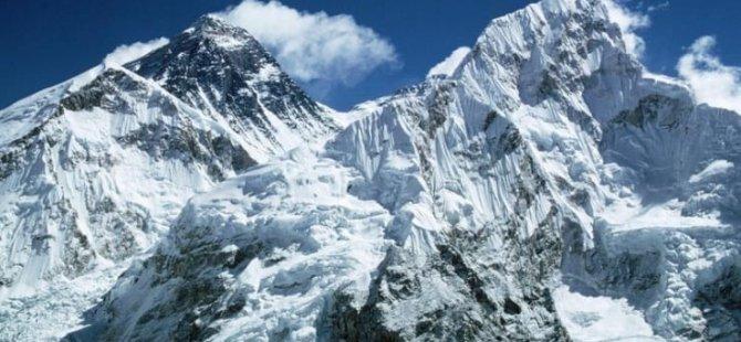 Buzullar eridi, Everest'te ölen 300 dağcının cesetleri gün yüzüne çıkmaya başladı