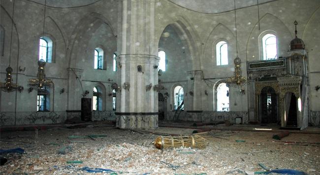 Cami bombalandı: 12 ölü, 50 yaralı