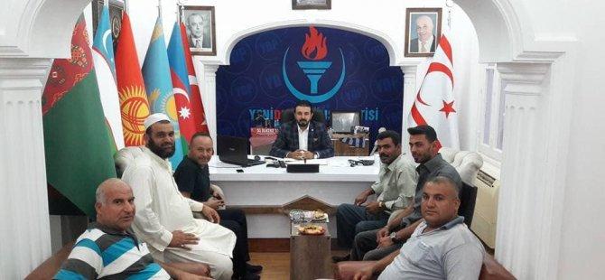 """Zaroğlu'nun Destekçileri: """"Şansınızı Zorlamayın Rum Uşakları"""""""