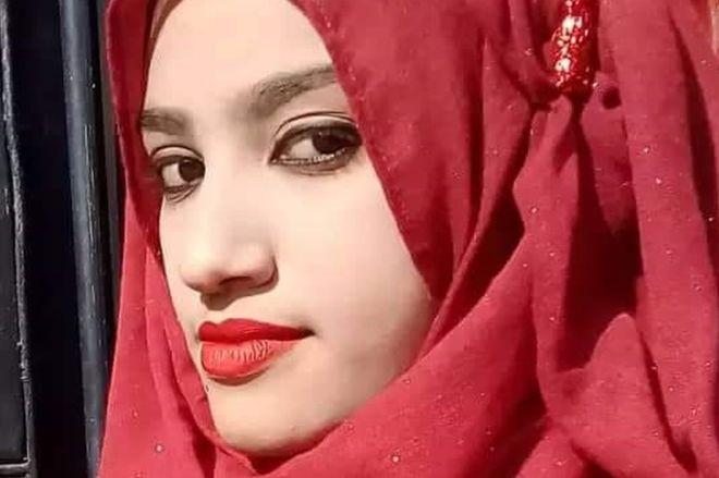 Nusrat Jahan Rafi: Uğradığı cinsel tacizi bildirdiği için yakılarak öldürülen kadın