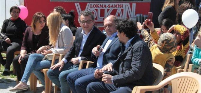Başbakan Erhürman eşiyle birlikte Bahar Gülleri Çocuk Şenliği'ne katıldı