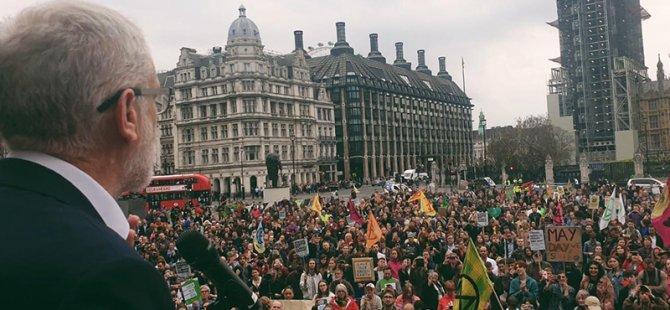 Britanya, tarihte küresel ısınmaya karşı 'olağanüstü hâl' ilan eden ilk ülke oldu: Kapitalizmle savaşmalıyız…