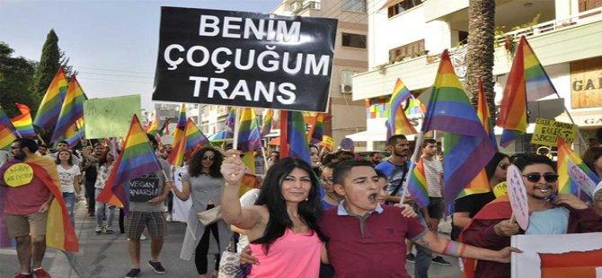 """Kıbrıs Onur Yürüyüşü:"""" Okulda, evde, mecliste, sokaktayız; her yerdeyiz! """""""