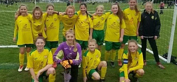 12 yaş altı kız takımı 'erkekler' liginin şampiyonu oldu