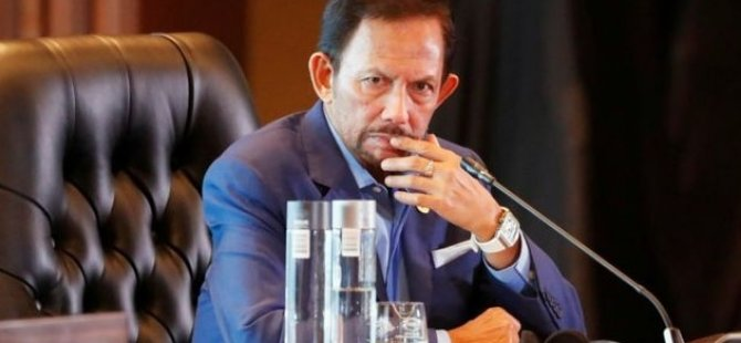 Brunei eşcinsellere recm cezası uygulamaktan vazgeçti