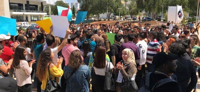 Doğu Akdeniz Üniversitesi öğrencileri yapılan zamları protesto etti