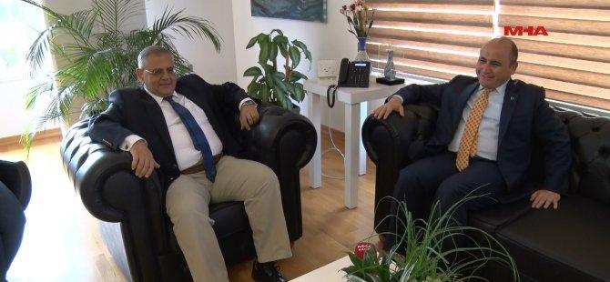 T.C. Büyükelçisi Doğu Akdeniz Üniversitesini ziyaret etti