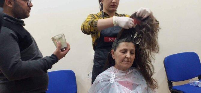 Yakın Doğu Üniversitesi'nde saç renklendirme eğitimi verildi