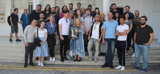 Usta sanatçı Ayla Algan DAÜ'ye konuk oldu
