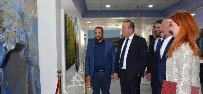 """""""Uluslararası Sanat Rezidansı Sergisi"""" Turizm ve Çevre Bakanı Fikri Ataoğlu tarafından açıldı"""