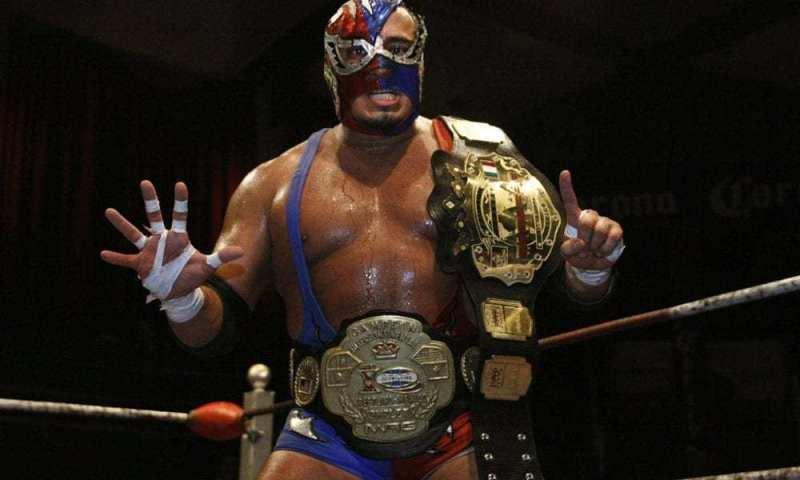 'Gümüş kral' lakaplı Meksikalı güreşçi minderde kalp krizi geçirerek hayatını kaybetti