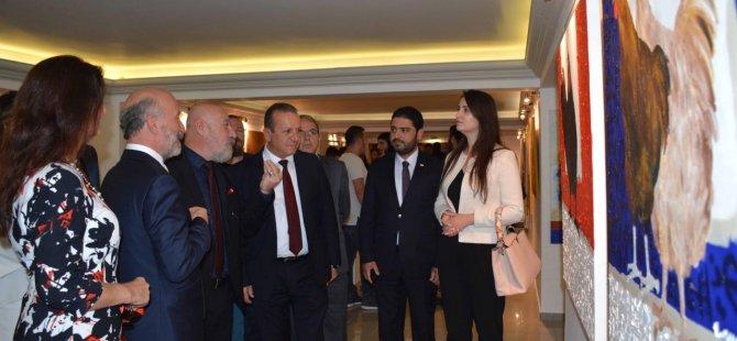 """""""Öğretim Elemanları Sergisi"""" Turizm ve Çevre Bakanı Fikri Ataoğlu tarafından açıldı"""