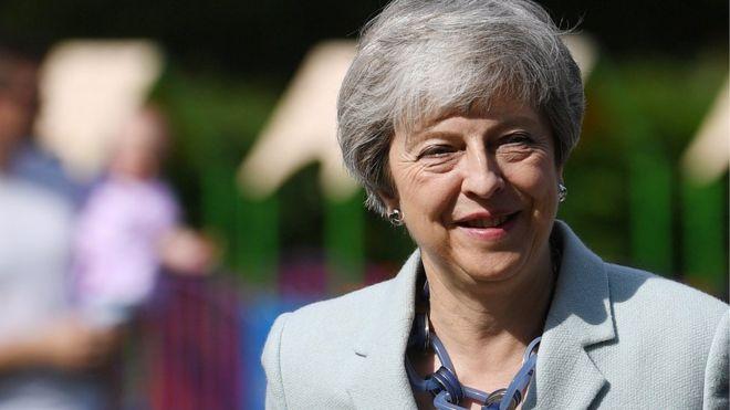 Theresa May, 7 Haziran'da Tory lideri olarak görevden ayrılacağını söyledi