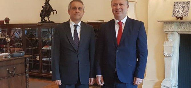 Ziya Emir Türkiye'nin Londra Büyükelçisi ile görüştü