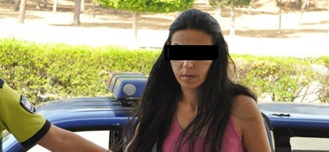Gazimağusa'da erkeğe şiddet! Arkadaşını elinden bıçakladı!