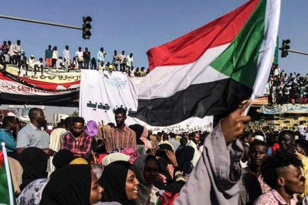 Sudan'da Özgürlük ve Değişim Güçleri darbecilerin seçim kararını reddetti