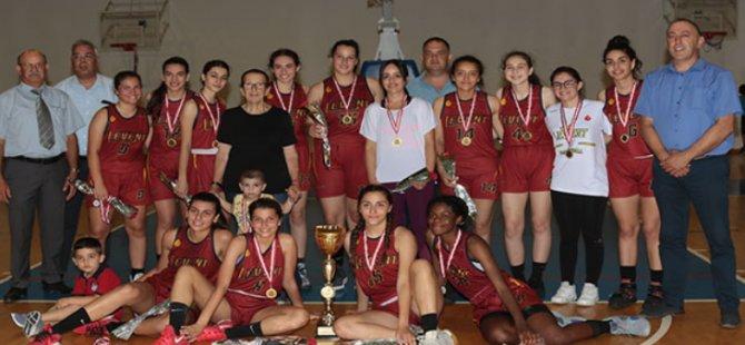 Leventspor şampiyon (72-29)