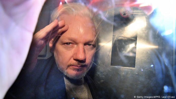 İngiltere'den Assange'ın ABD'ye iadesine onay