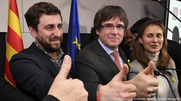 İspanya Katalan siyasetçilere mazbatasını vermiyor