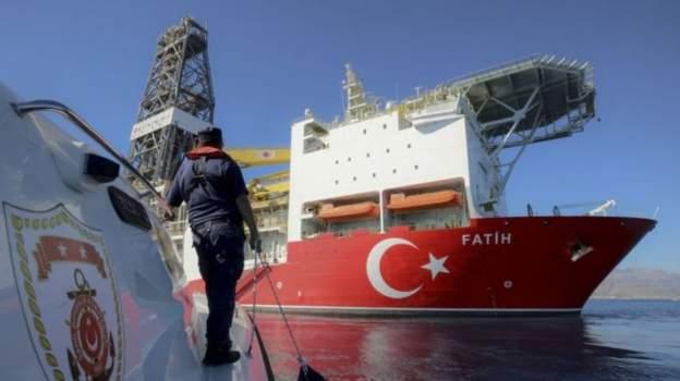 Çipras'tan Tusk'a Kıbrıs telefonu: Türkiye'nin yasa dışı faaliyetleri kınanmalı