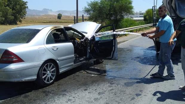 Seyir halindeki araç yandı, sürücü ucuz kurtuldu
