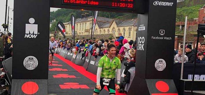 Dünyanın en zorlu yarışlarından biri olan Ironman'de Cem Dağdelen finişe ulaşmayı başardı