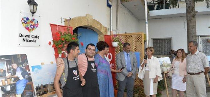 """""""Çocuk Gözüyle Kıbrıs"""" fotoğrafları Down Cafe yararına satılıyor"""