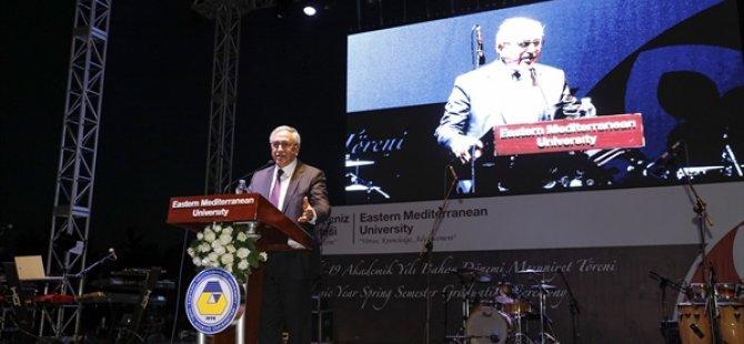 Cumhurbaşkanı Akıncı DAÜ mezuniyet törenine katılarak mezunlara diplomalarını verdi
