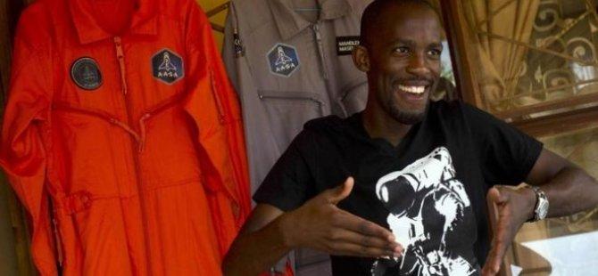 Uzaya gidecek ilk Afrikalı astronot motosiklet kazasında öldü