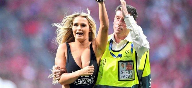 Sahaya mayolu giren Wolanski ve sevgilisinin Copa Amerika planı suya düştü